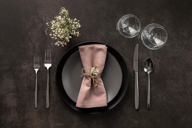 식물이있는 상위 뷰 테이블 구색