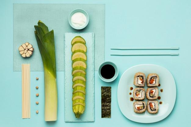 Вид сверху овощи и рыбная диета