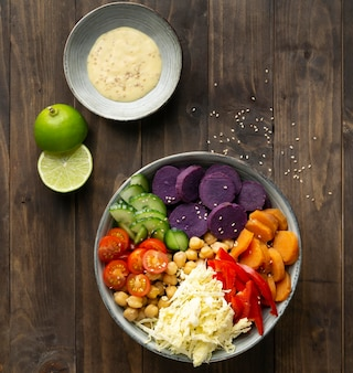 상위 뷰 채식 음식 그릇