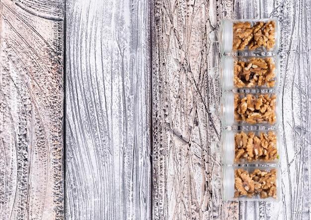 나무 가로 복사 공간 항아리에 상위 뷰 호두 무료 사진