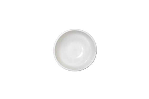 상위 뷰 흰색 깊고 작은 빈 원형 깨끗한 세라믹 그레이비 보트는 카피스페이스가 있는 격리된 배경에 있습니다.
