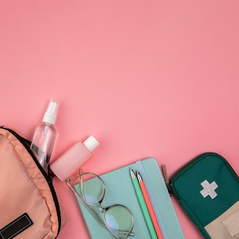 旅行のためのトップビュー女性バッグ