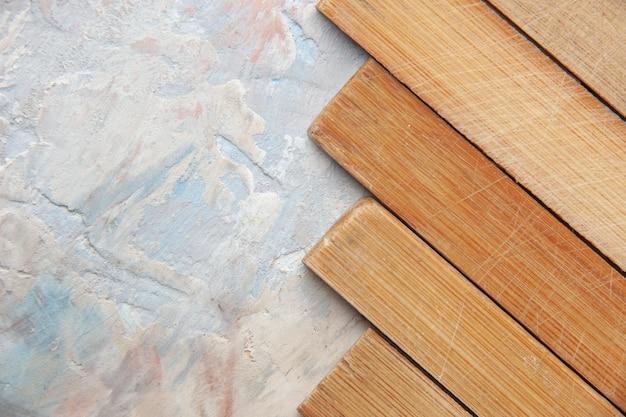 Tavole di legno vista dall'alto su sfondo nudo