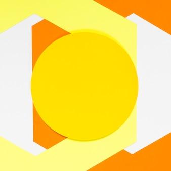 화려한 기하학적 형태와 상위 뷰 노란색 동그라미