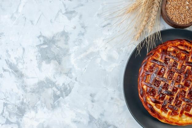 上面図ライトベイク写真ビスケットデザートカラーティーケーキクッキーにゼリーとおいしいフルーティーパイ