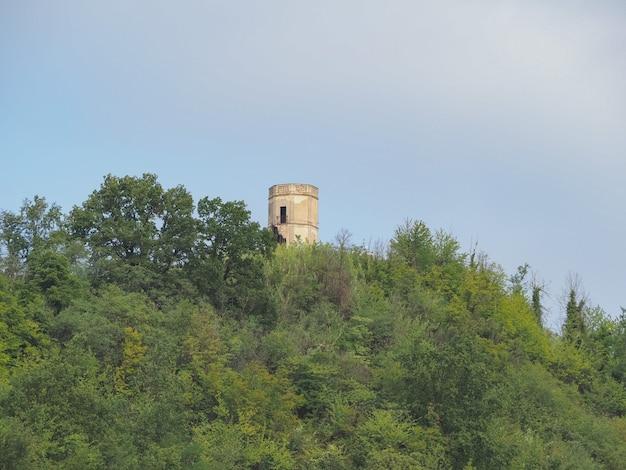 Vezza d'alba의 torion(탑을 의미) 유적