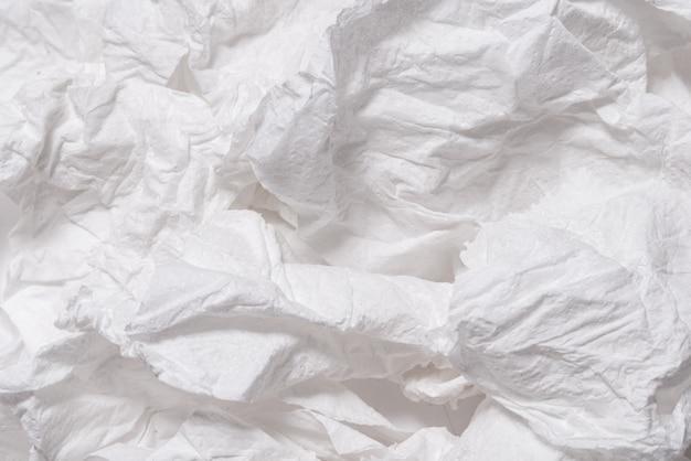 Рваная мятая белая бумага текстурированный фон