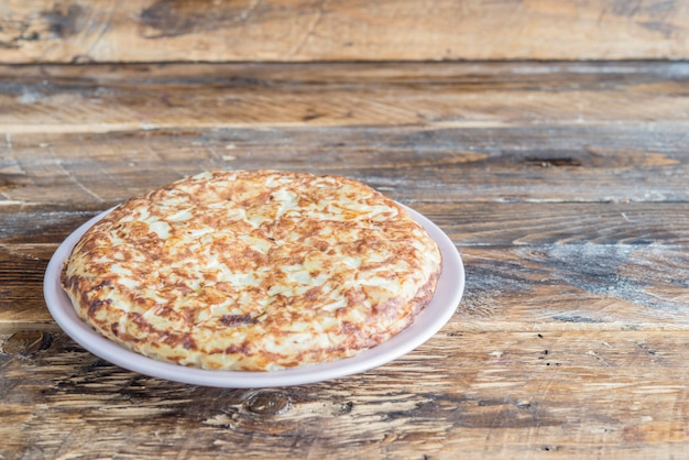 Tortilla de patatas (omelette typical in spain)