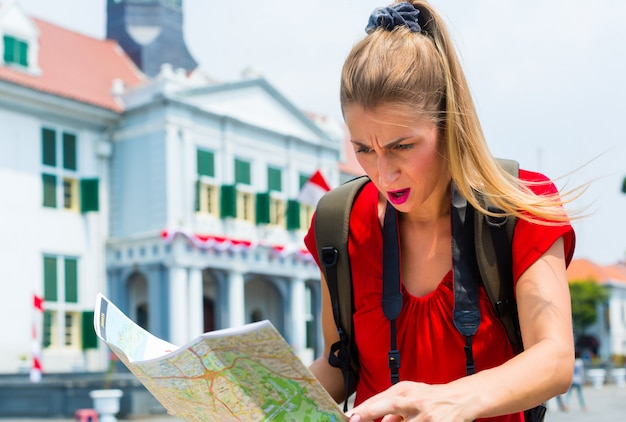 Tourist being lost in jakarta, indonesia