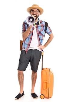 Turismo che urla dal megafono