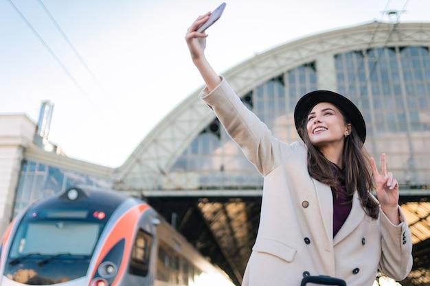 관광 여자 게 selfie