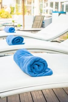 Towel pool