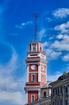 ロシア、サンクトペテルブルクのネフスキー大通りに建てられた市議会の塔。国定歴史建造物、デュマタワー