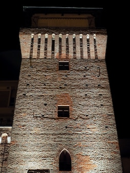 Башня сеттимо ночью