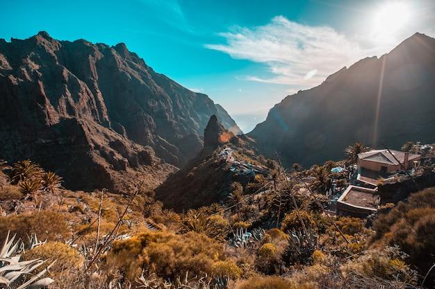 カナリア諸島、テネリフェ島のマスカ山の町。スペイン
