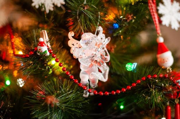 クリスマスツリー、ライトおよびbokkeのための装飾のためのおもちゃ