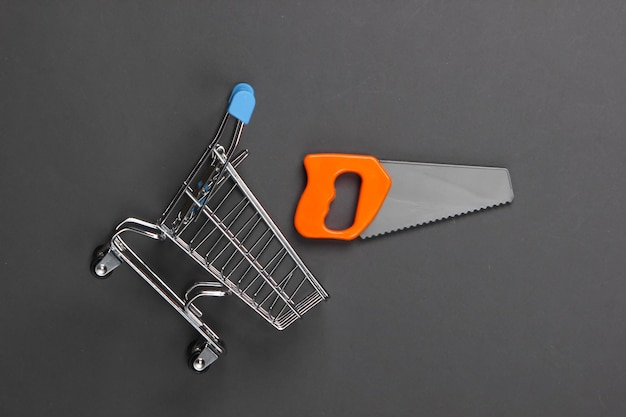 灰色のショッピングカートで見たおもちゃ