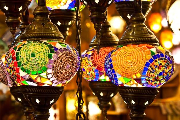 전통적인 아랍 랜턴