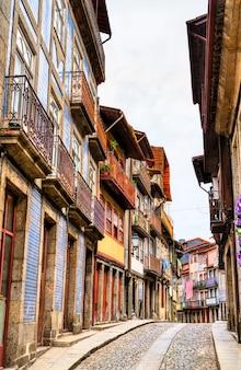 ポルトガルのギマラエスの伝統的な建築