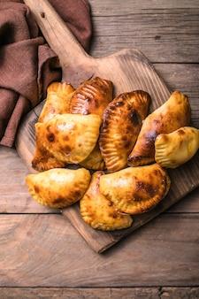Традиционные аргентинские эмпанада с мясом