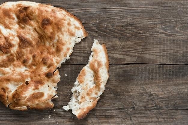 전통적인 아시아 빵 Flatbread 프리미엄 사진