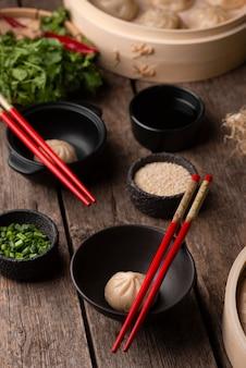 伝統的なアジアの餃子