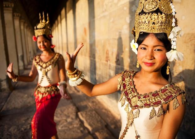 Традиционные танцоры аспара, сием рип, камбоджа