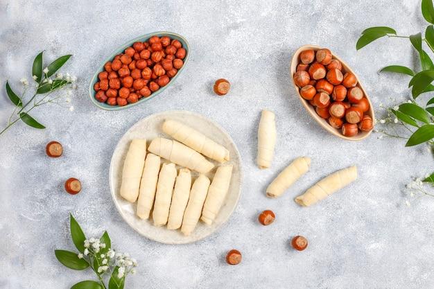 伝統的なアゼルバイジャンの休日ノウルーズのお菓子ムタキ。