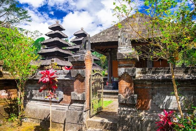 伝統的なバリの寺院