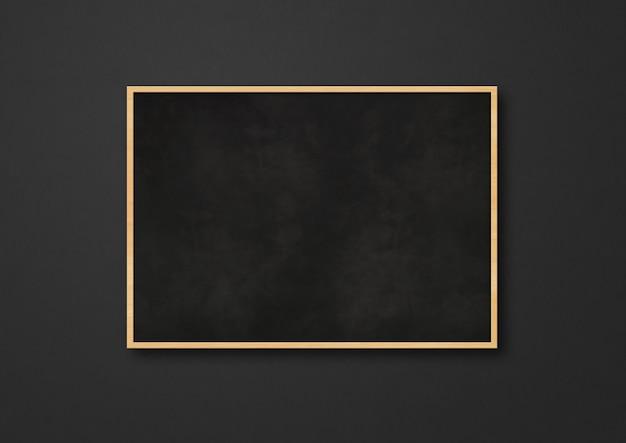 黒の背景に分離された伝統的な黒板。
