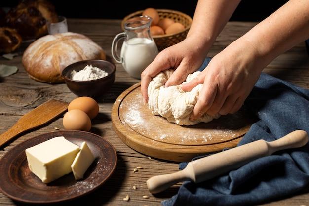 죽은 만들기의 전통 빵
