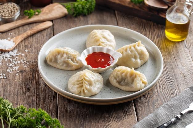 伝統的な中央アジアの餃子