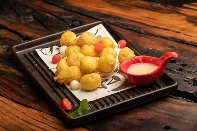 伝統的な中国の宴会料理、もち米の炒め物