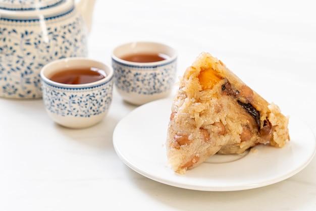 伝統的な中国のもち米餃子