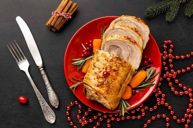 伝統的なクリスマス料理のアレンジメント