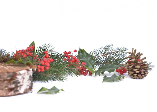 Традиционное новогоднее украшение