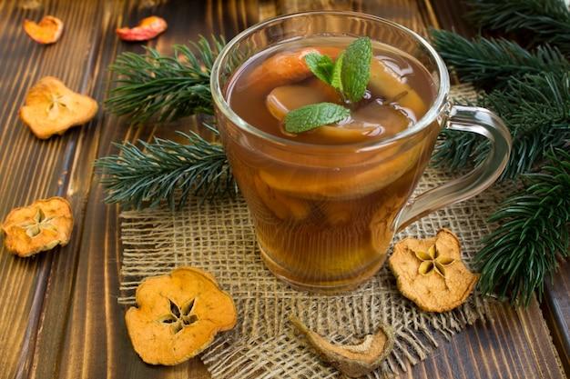 クリスマスのドライフルーツの伝統的なコンポート