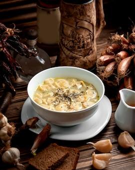 Dushbere tradizionale sul tavolo