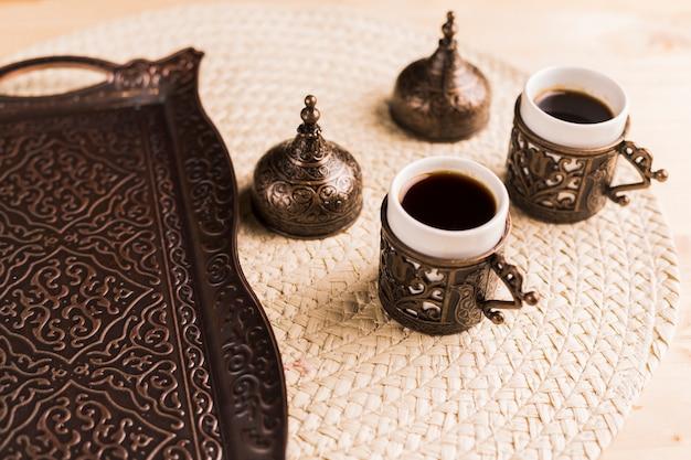 전통적인 동부 커피 세트
