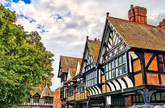 Дома традиционной английской тюдоровской архитектуры в честере, англия