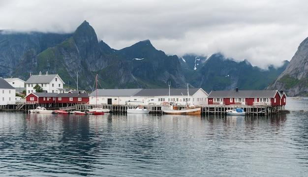 Lofoten 군도, nordland 카운티, 노르웨이의 전통적인 어촌 마을