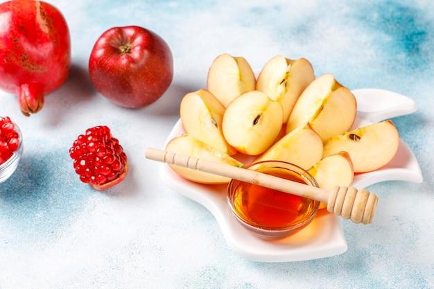 Традиционная еда еврейского нового года, рош ха-шана.
