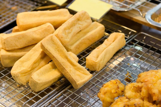 Traditional fried tofu served with sweet chili sauce or sweet plum sauce.