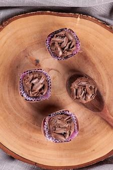 전통 미식가 초콜릿 브리가데이로. 전형적인 브라질 과자.