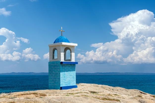 전통적인 그리스 작은 교회 또는 예배당
