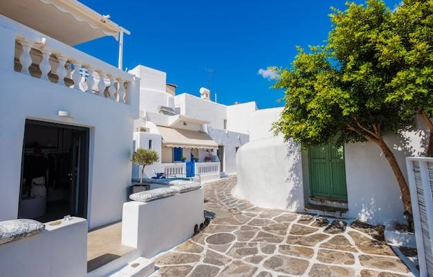 미코노스 섬의 전통적인 그리스 거리