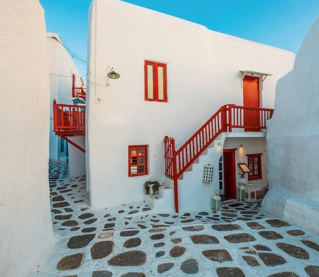 미코노스 섬에 전통적인 그리스 거리