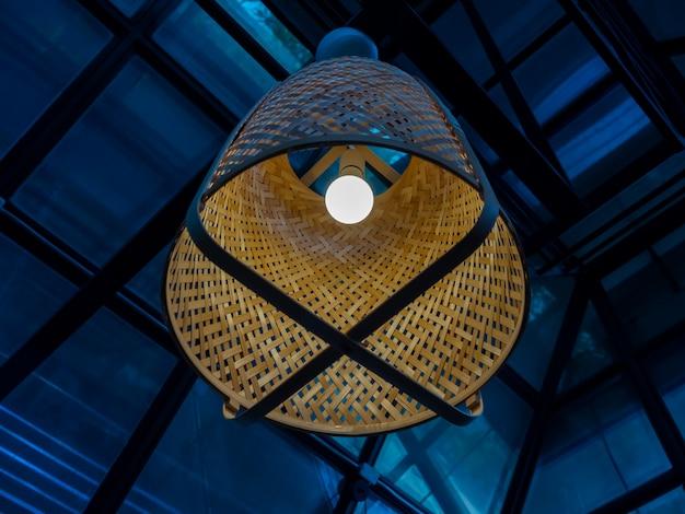 Традиционный бамбуковый потолочный светильник ручной работы