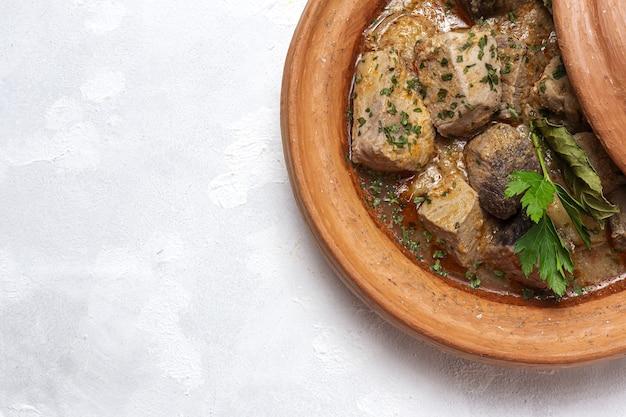 Традиционное домашнее рыбное таджинское рагу с картофелем