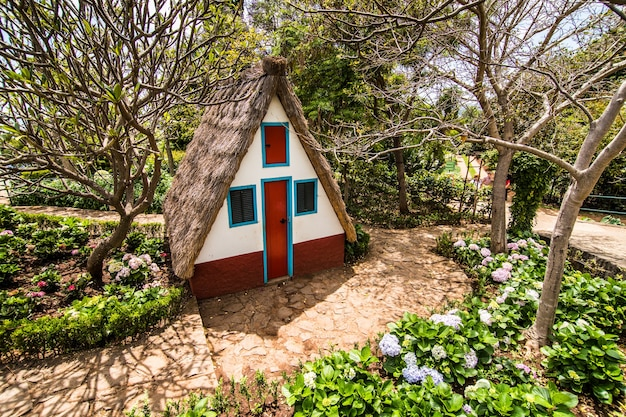 マデイラ、ポルトガルの伝統的な家